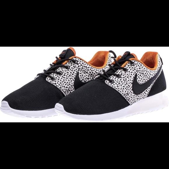 1b788f984ef4 Nike Roshe One Safari Black Tennis Shoes Sneakers.  M 5a4fd76750687c7a26002fb1